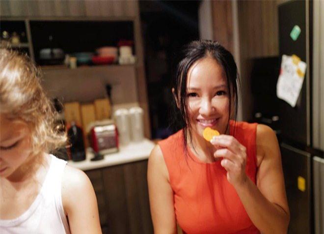 """Khoe con gái xinh làm bếp trưởng nhưng Hồng Nhung tiếc """"đứt ruột"""" vì quên mất một điều - 3"""