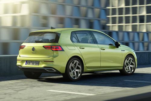 10. Volkswagen Golf 2020 (giá khởi điểm: 23.195 USD).