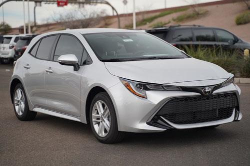 8. Toyota Corolla Hatchback 2020 (giá khởi điểm: 20.290 USD).