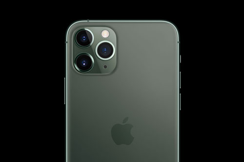 =8. iPhone 11 Pro Max (117 điểm).