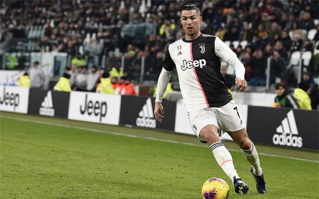 BẤT NGỜ: Cristiano Ronaldo rộng cửa trở lại Man Utd - Ảnh 1.