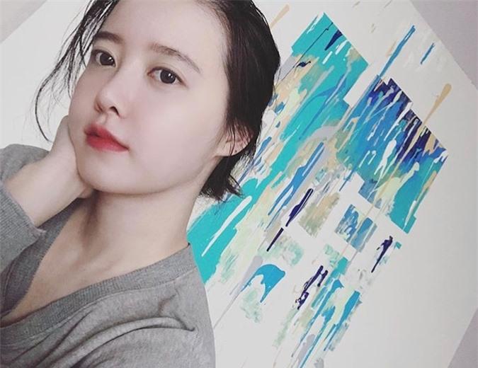 Giảm 8kg hậu ly hôn Ahn Jae Hyun, 'nàng cỏ' Goo Hye Sun bỗng hóa gái 20 - Ảnh 2
