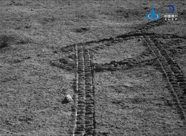Phát hiện những viên đá lạ ở phần tối của Mặt Trăng - 3