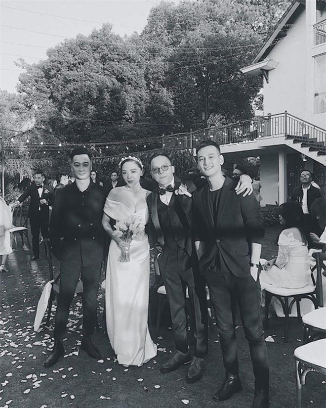 Tóc Tiên sau đám cưới kín đáo: Ngại khoe chồng, thích ăn vận gợi cảm - Ảnh 3.