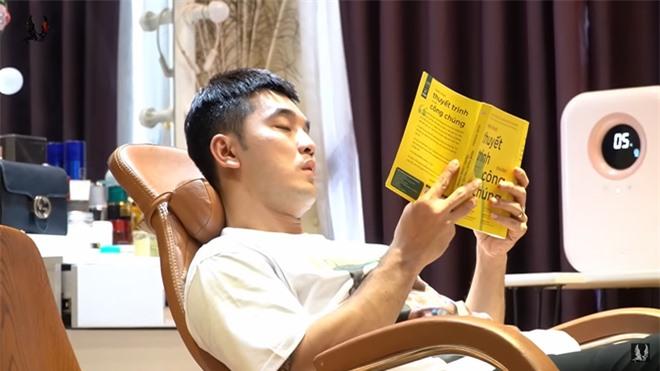 Ưng Hoàng Phúc tự cách ly tại nhà vì dịch bệnh - Ảnh 4.