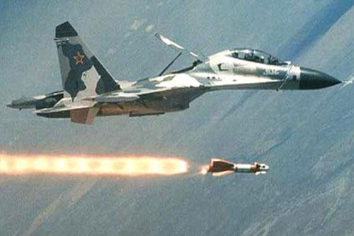 Tiêm kích Su-27 của không quân Nga. (Ảnh: Military Machine)