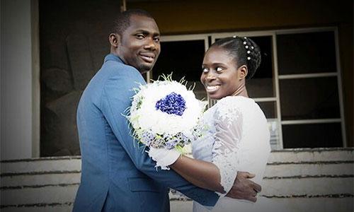 Umoren hạnh phúc trong ngày cưới (Ảnh: allure).