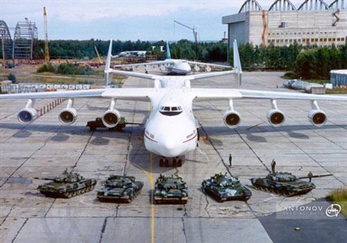 Siêu máy bay khổng lồ từ thời Liên Xô bất ngờ tung cánh trở lại