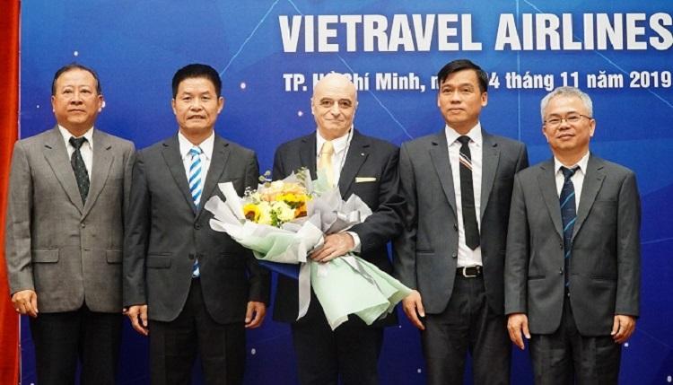"""Để từng bước hiện thực hoá """"Giấc mơ bay"""", cuối năm 2029, Vietravel đã bổ nhiệm ông Livio Arizzi, một tiến sĩ, đồng thời là cơ trưởng dày dạn kinh nghiệm người Ý làm Phó Tổng Giám đốc Vietravel Airlines"""