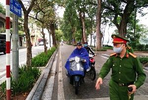Ngày 5/4, Hà Nội xử phạt 19 trường hợp vi phạm phòng, chống Covid-19