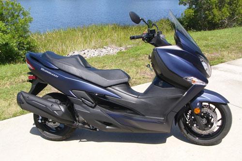 Xe ga Suzuki 399 phân khối, phanh ABS 2 kênh, giá gần 200 triệu