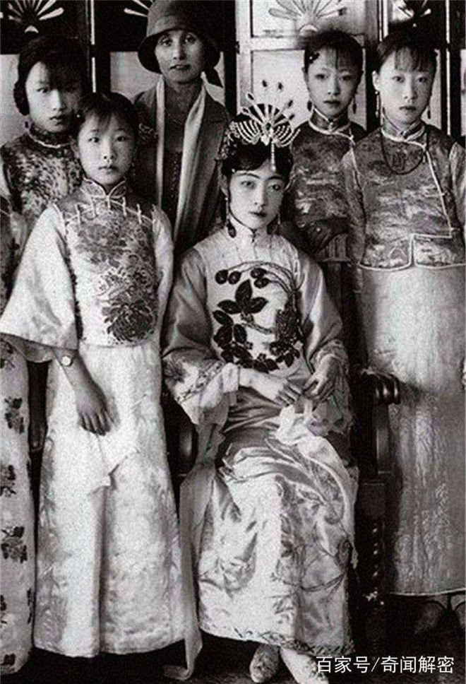 Ảnh hiếm chưa từng được hé lộ trong hôn lễ Hoàng đế Phổ Nghi - vị vua cuối cùng của nhà Thanh - Ảnh 10.