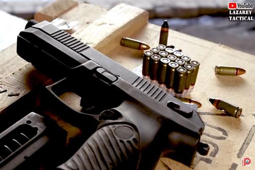 """Nga chế tạo siêu súng ngắn bắn đạn 9mm """"cực độc"""": Có mặc giáp cũng như không"""