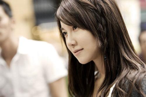 Penthouse có sự tham gia của Eugene, Lee Ji Ah và Kim So Yeon. Cả ba nữ diễn viên đều là những gương mặt được yêu thích, và vắng mặt trên màn ảnh nhỏ từ lâu.