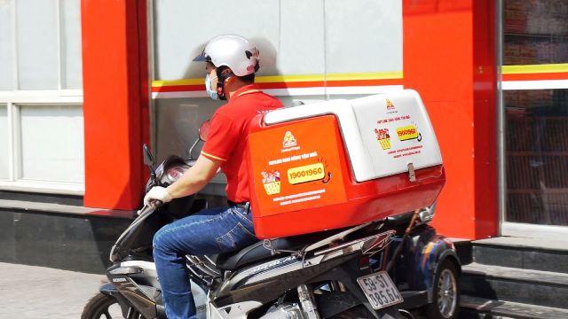 Dịch vụ đặt hàng qua Hotline và Fanpage tại thành phố Hồ Chí Minh của VISSAN.