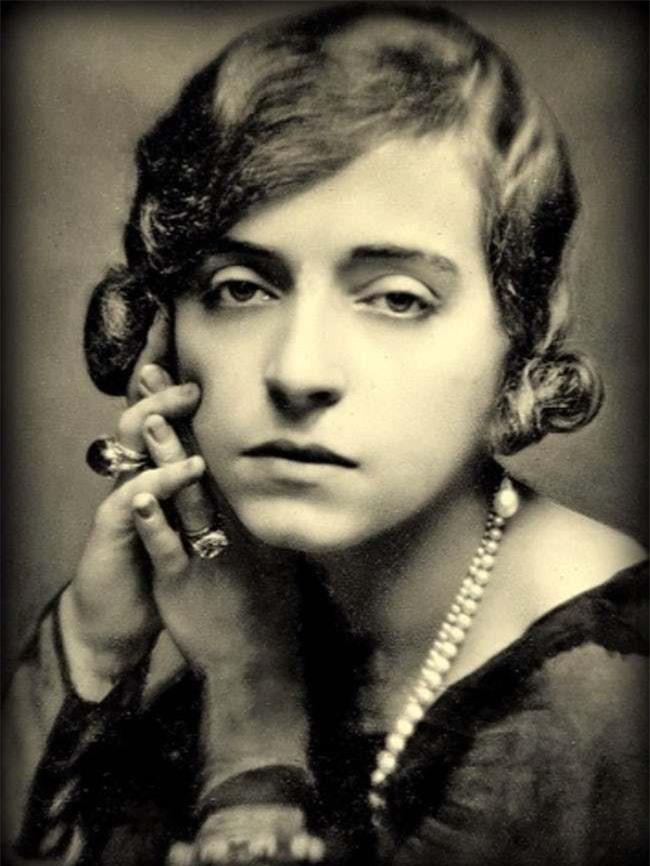 Chuyện đời khó tin của Marguerite Alibert: Từ gái lầu xanh trở thành công chúa, dám uy hiếp Hoàng gia Anh để thoát tội sát nhân - Ảnh 10.