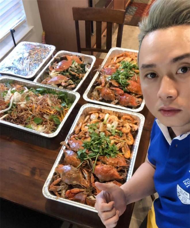 """Hóa ra showbiz Việt có một """"soái ca"""" đẹp trai, hát hay lại còn nấu ăn như siêu đầu bếp - 12"""