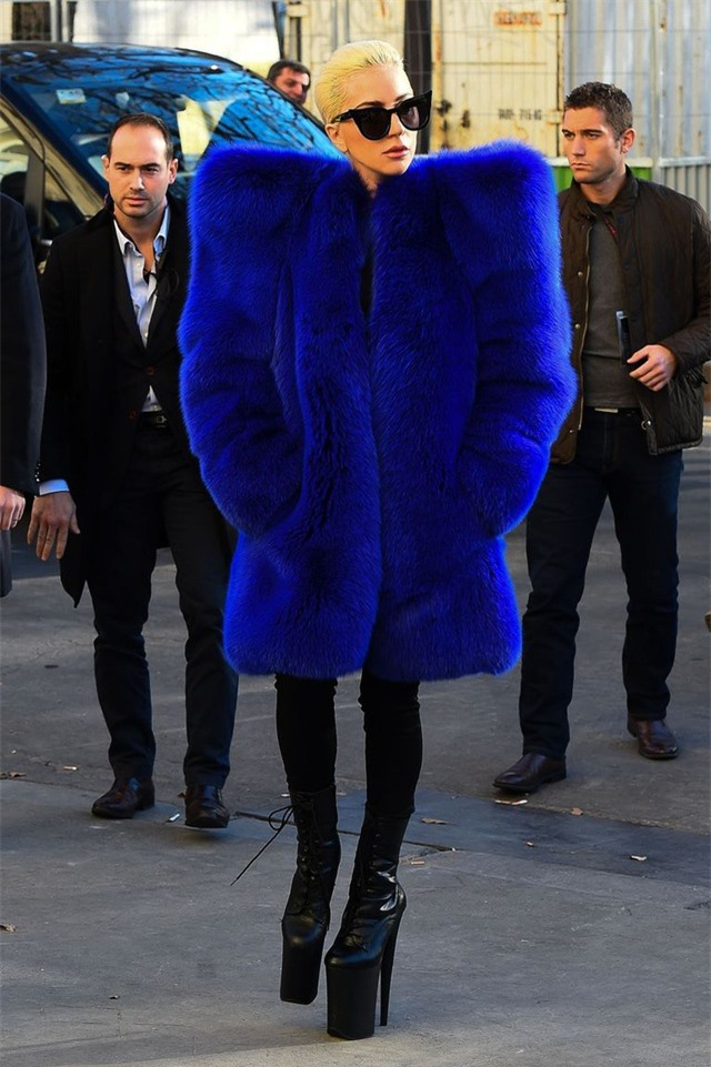 Những bộ cánh ấn tượng của Lady Gaga trong 5 năm qua - 11