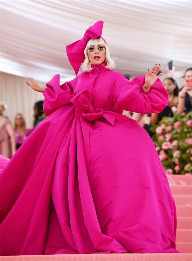 Những bộ cánh ấn tượng của Lady Gaga trong 5 năm qua - 4