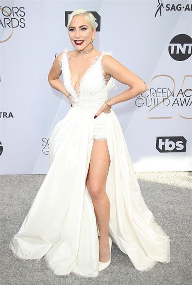 Những bộ cánh ấn tượng của Lady Gaga trong 5 năm qua - 5