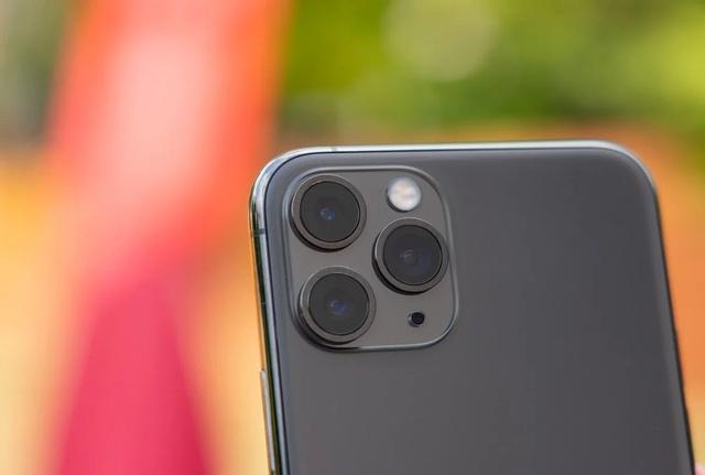 Apple thưởng đậm cho một hacker vì tìm ra lỗi trên iPhone