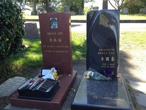 Nơi an nghỉ của Lý Tiểu Long và con trai.