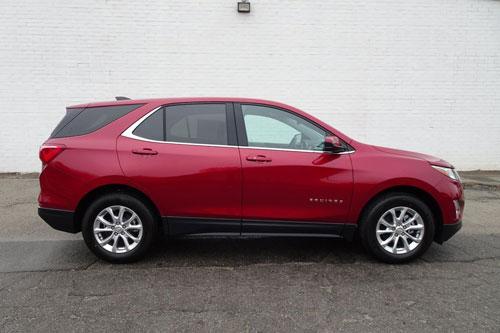 2. Chevrolet Equinox (doanh số: 73,453 chiếc).