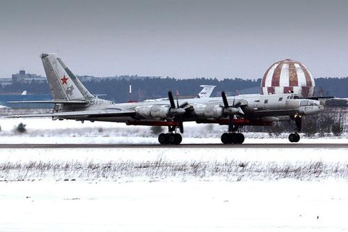 """Phương Tây """"giật mình"""" khi Không quân Nga nhận Tu-95MSM nâng cấp đầu tiên"""
