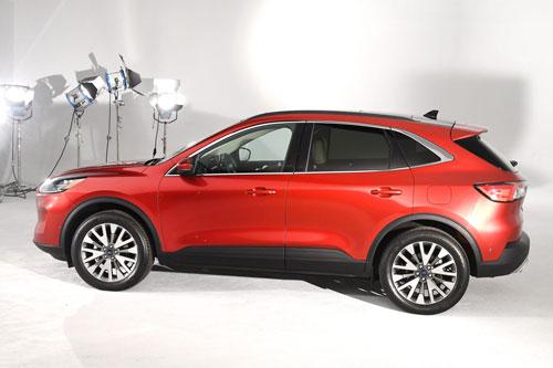 7. Ford Escape (doanh số: 48.117 chiếc).