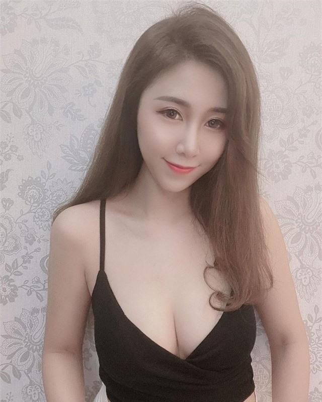 Cộng đồng mạng bất ngờ tìm ra cô nàng tiếp viên cực phẩm: Xinh như hot girl lại quyến rũ như người mẫu - Ảnh 4.