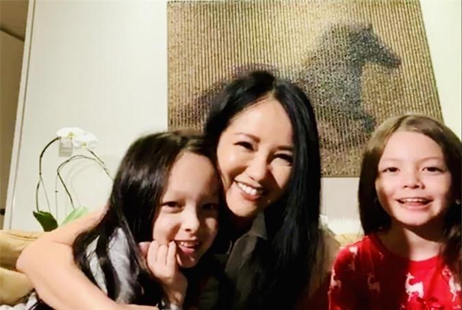 Hồng Nhung hé lộ cuộc sống với cặp song sinh tại Mỹ - Ảnh 10.