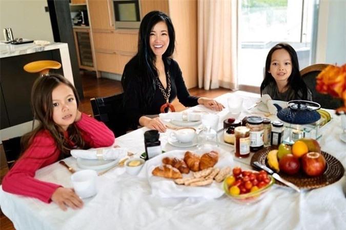 Hồng Nhung hé lộ cuộc sống với cặp song sinh tại Mỹ - Ảnh 11.