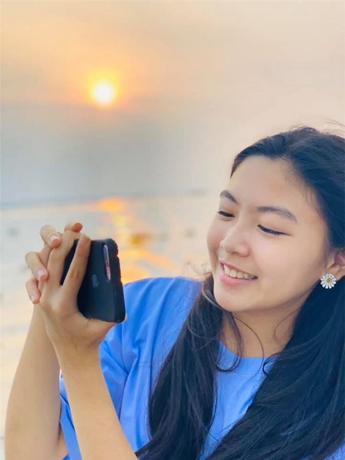 MC Quyền Linh chia sẻ hình ảnh ngày ấy - bây giờ của bé Lọ Lem, nhân dịp sinh nhật 14 tuổi - Ảnh 4