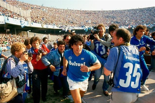 """Nếu còn thi đấu, giá chuyển nhượng của """"Rô béo"""" và Maradona vượt xa Neymar - 2"""