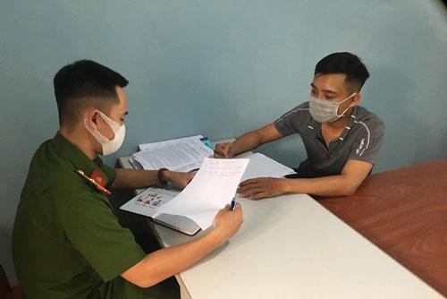 Đối tượng Nguyễn Mạnh Cường tại cơ quan công an