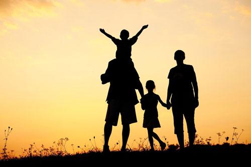 9 câu 'độc miệng' cha mẹ không nên nói với con cái kẻo hối hận cả đời