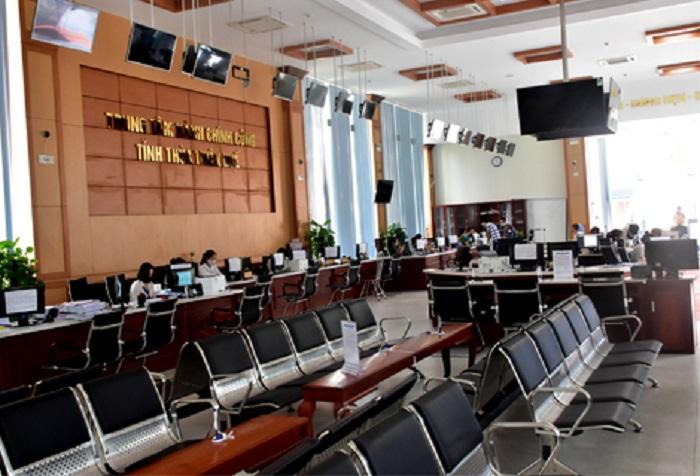 Nhờ đẩy mạnh tiếp nhận thủ tục hành chính trực tuyến, Trung tâm phục vụ hành chính công tỉnh Thừa Thiên Huế hầu như không có người đến giao dịch trực tiếp