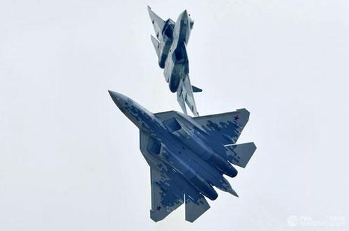 """Chuyên gia Nga tiết lộ công nghệ khủng của """"bóng ma bầu trời"""" Su-57"""