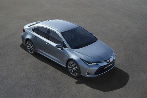1. Toyota Corolla (doanh số: 16.327 chiếc).