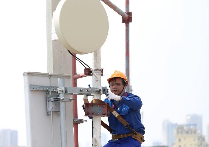 Covid-19: Doanh thu của VNPT và MobFfone sẽ giảm 12.845 tỷ đồng, khẳng định không sa thải nhân viên