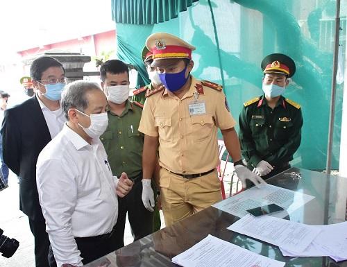 """Chủ tịch Thừa Thiên Huế: Không vì kết quả bước đầu mà chủ quan, """"khoá"""" nguy cơ xâm nhập Covid-19"""