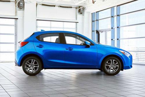 3. Toyota Yaris (doanh số: 13.164 chiếc).