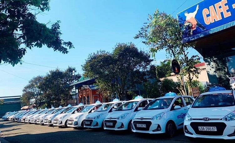 Thực hiện Chỉ thị 16 của Thủ tướng Chính phủ về việc cách ly toàn xã hội, nhiều hãng taxi đã phải dừng hoạt động, doanh nghiệp và tài xế gặp rất nhiều khó khăn