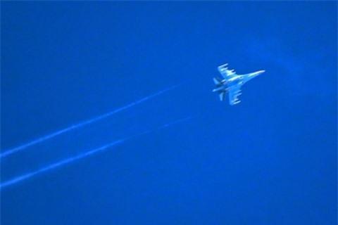 Anh hung Nga binh luan nguyen nhan Su-27 roi tai bien Den