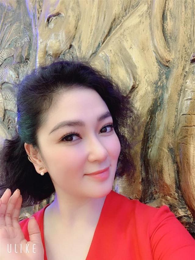 Khu vườn ngập hoa quả và rau xanh tại biệt thự của Hoa hậu Nguyễn Thị Huyền - Ảnh 2.