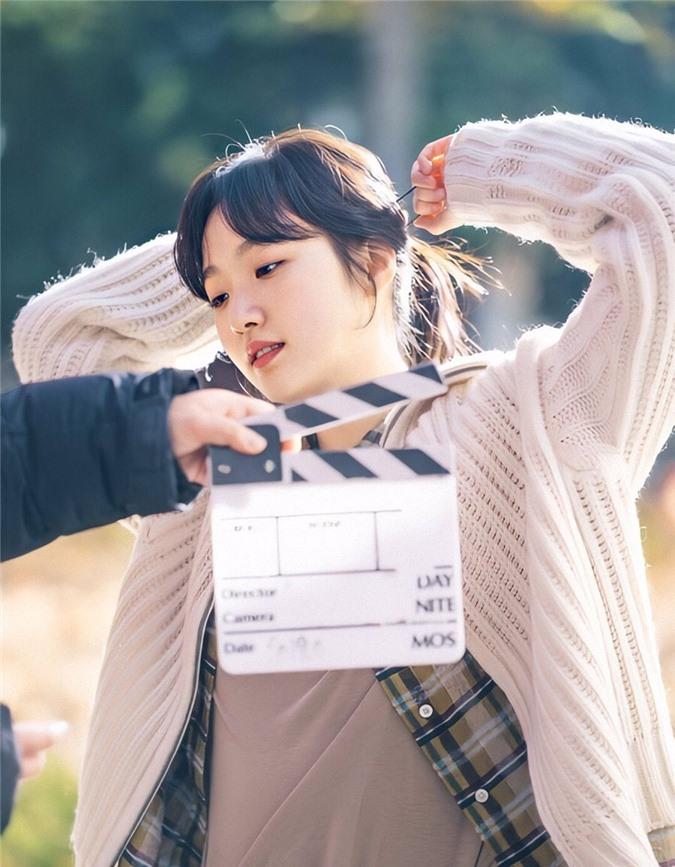 Ngất lịm với loạt ảnh hậu trường Bệ Hạ Bất Tử: Lee Min Ho đẹp miễn bàn, xuất sắc nhất lại là thần thái của Kim Go Eun - Ảnh 3.