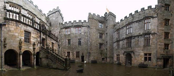Lạnh người với những lâu đài ma ám đáng sợ nhất thế giới - ảnh 1
