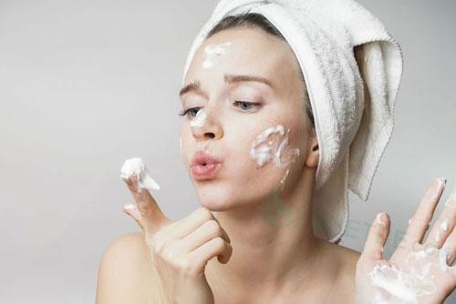 5 thói quen mỗi sáng giúp bạn ngày càng xinh đẹp, trẻ hơn tuổi mà không cần phấn son