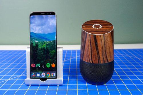 Thay vì phải mua loa Google Home, bạn có thể kết hợp smartphone cũ và loa không dây bất kỳ. Ảnh: Cnet.