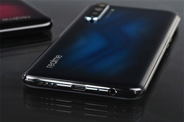 Cận cảnh Realme 6 Pro: Chip Snapdragon 720G, camera trước đục lỗ kép, sạc nhanh VOOC 4.0 - Ảnh 3.